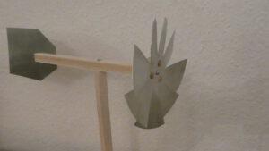 Windrad mit Metallflügeln
